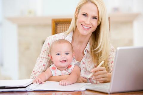 Mulher e o seu bebê